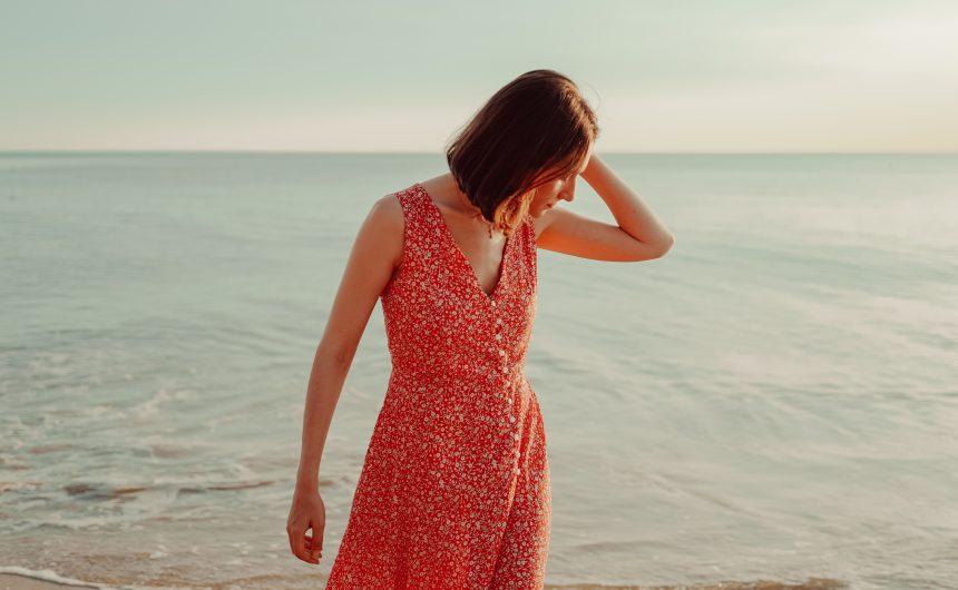 Une version estivale du patron de couture Manarola chez Apolline Patterns, cousu dans une viscose à imprimé floral. A découvrir sur le blog !